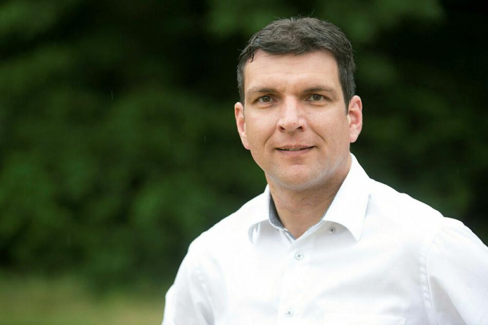 Landrat Henry Graichen (42, CDU) muss bis Herbst noch ohne neuen Kreistag auskommen.