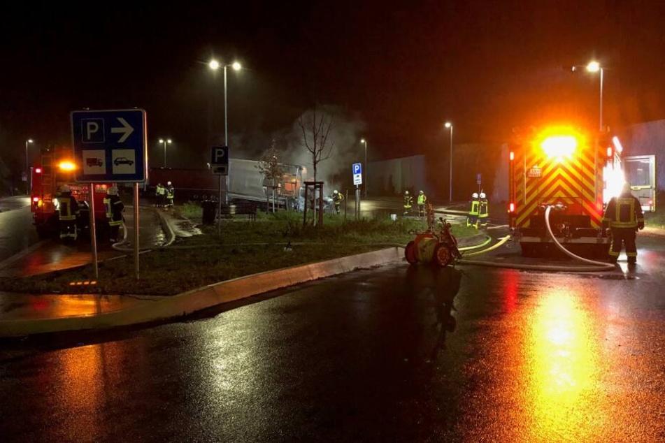 23 Feuerwehrleute waren bei der Brandbekämpfung im Einsatz.