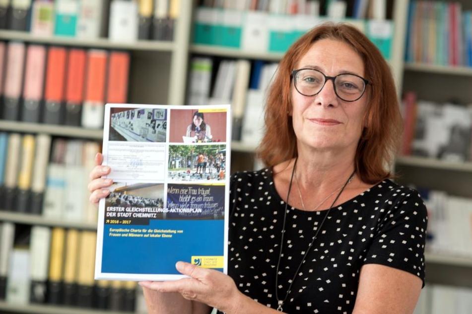 """Gleichstellungsbeauftragte Pia Hamann (56) kommen bei der Kampagne """"Die Stadt bin ich"""" die Frauen zu kurz."""