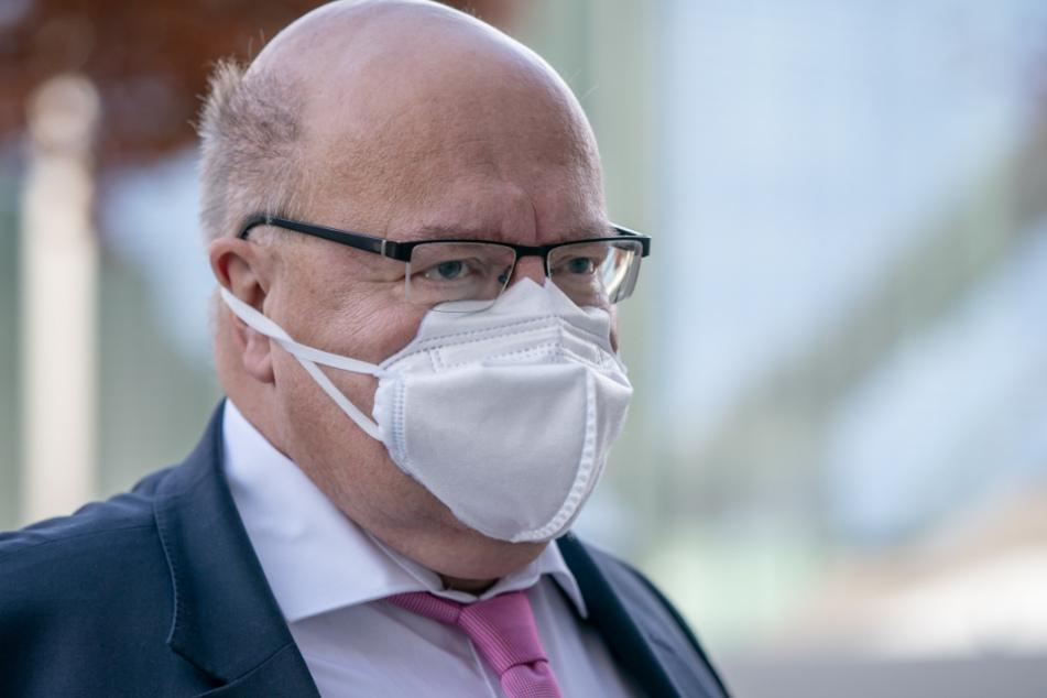 Bundeswirtschaftsminister Peter Altmaier (62, CDU).