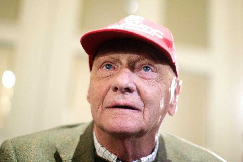 Niki Lauda (69) liegt nach einer Lungentransplantation im Wachkoma.