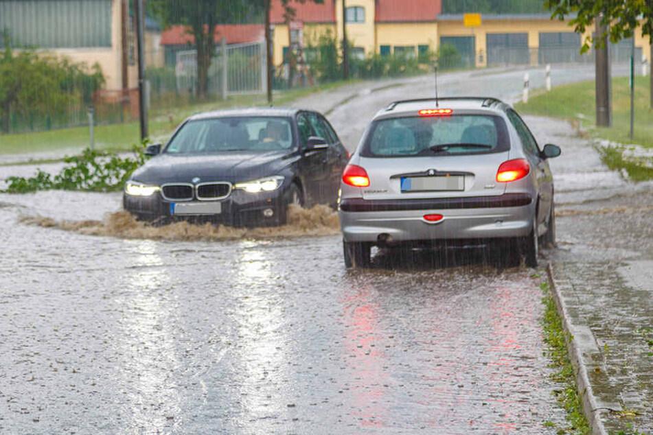 Hier stehen schon die Straßen unter Wasser.