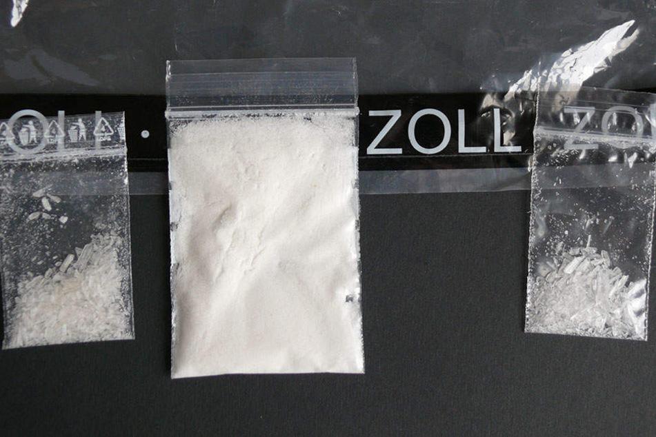 Über 11 Gramm Crystal beschlagnahmte der Zoll bei einer 30-Jährigen.