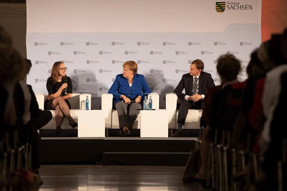 Bundeskanzlerin Angela Merkel (65, CDU) vor einer Woche in Dresden. Bei dieser Veranstaltung traf sie auch auf die junge Unternehmerin aus Neukirchen.