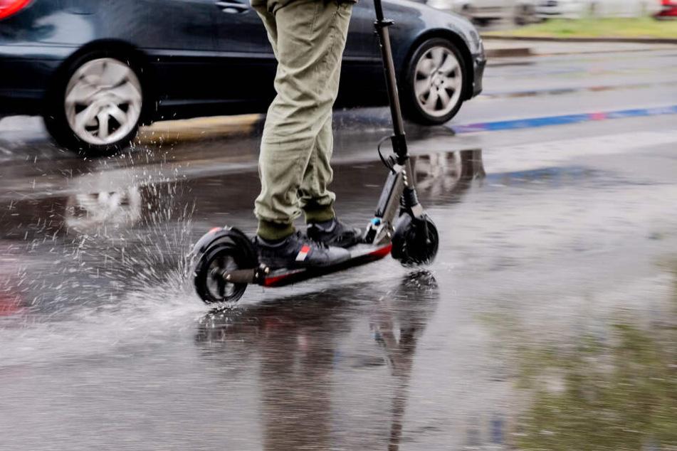 Die neuen E-Scooter sind beliebt, führen aber oft zu Unfällen im Straßenverkehr.