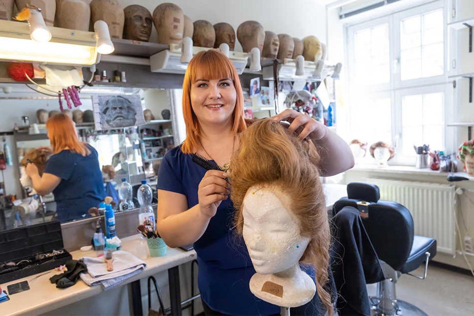 Maskenbildnerin Svenja Böhm (26) hat ihren Traumberuf hinter den Kulissen gefunden. Selbst auf der Bühne stehen möchte sie nicht.