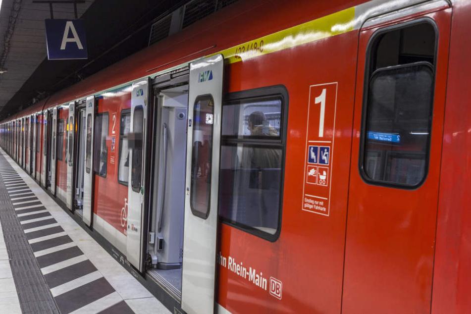 Etwa anderthalb Stunden standen die S-Bahnen in Frankfurt still (Symbolbild).