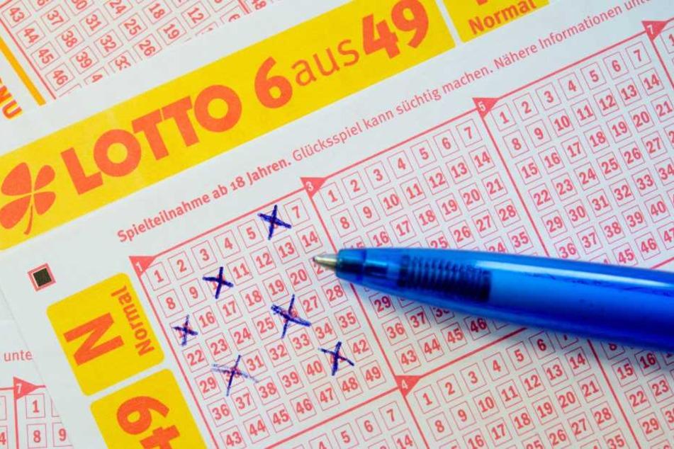 Mit 14 Euro Einsatz: Anonymer Glückspilz ist jetzt Lotto-Millionär!