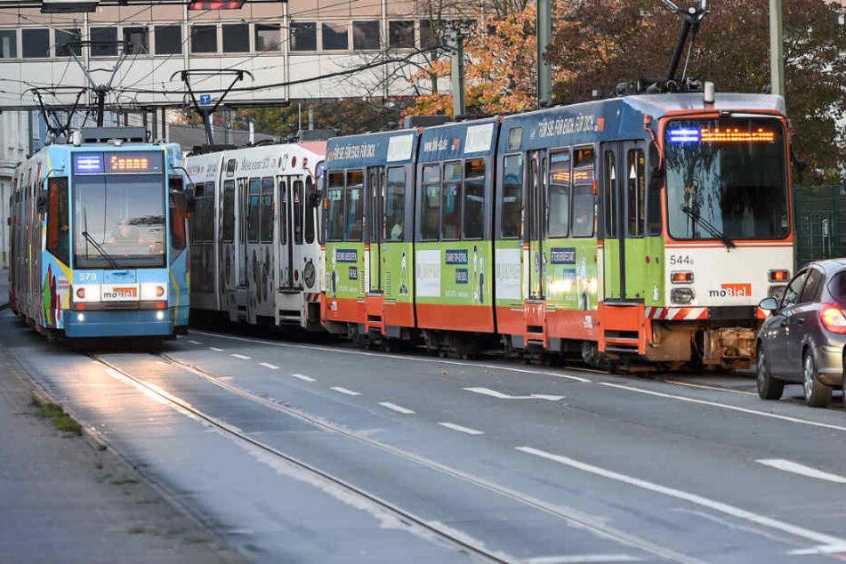 Im Schnitt fahren Stadtbahnen von moBiel gerade einmal 23,2 Kilometer pro Stunde.