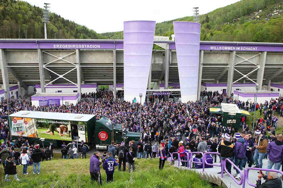 Mehr als 3000 Fans waren beim Abschlussfest nach dem letzten Saisonheimspiel dabei.