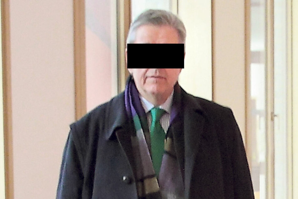 Honorarkonsul Christoph H. (65) kämpft bei Gericht gegen ein Knöllchen.