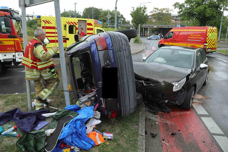 Zwischen dem Opel Astra und dem Citroen kam es zum Zusammenstoß.