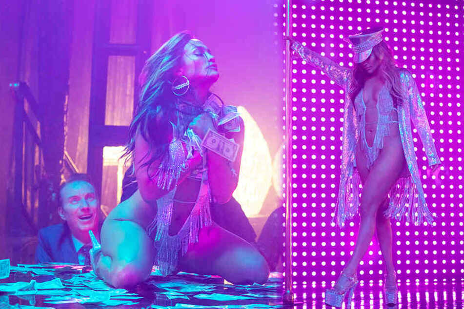 """Jennifer Lopez spielt in """"Hustlers"""" die Stripperin Ramona Vega und verdreht den Männern reihenweise den Kopf."""
