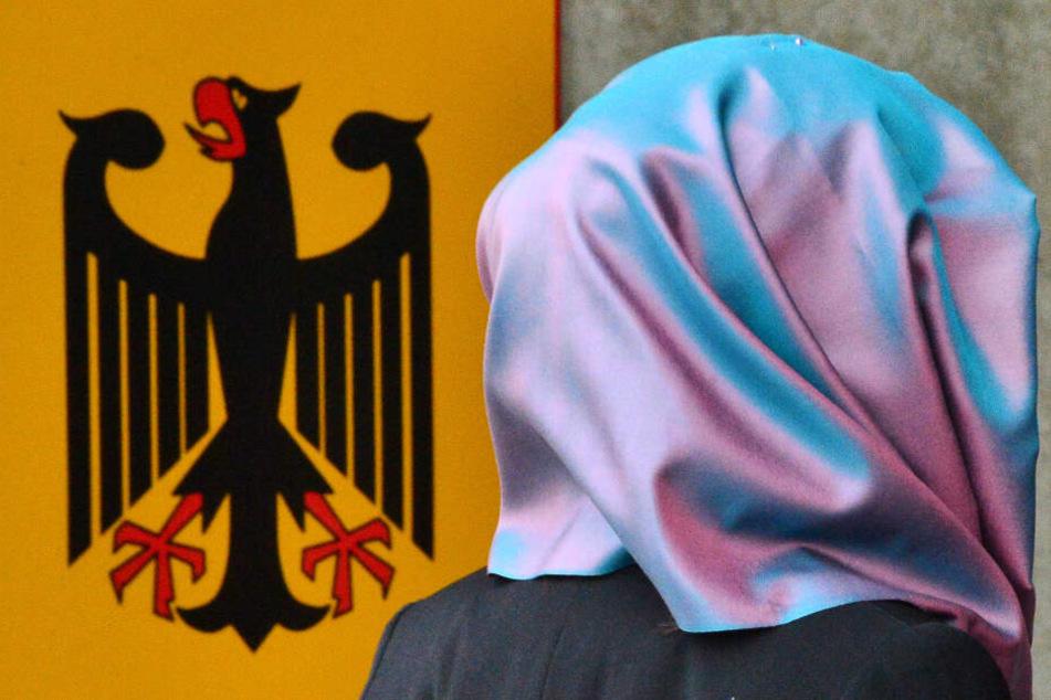 Verfassungsgericht erlaubt Kopftuch-Verbot für muslimische Frauen