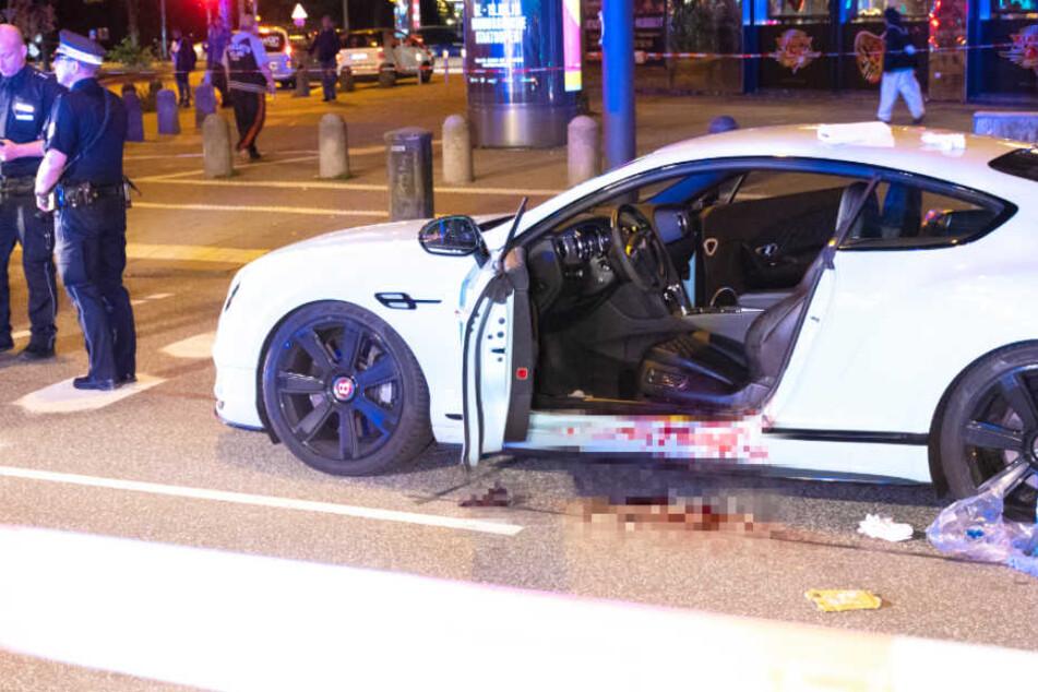 Mord-Anschlag? Mann hält mit Luxuswagen an Ampel, dann fallen Schüsse