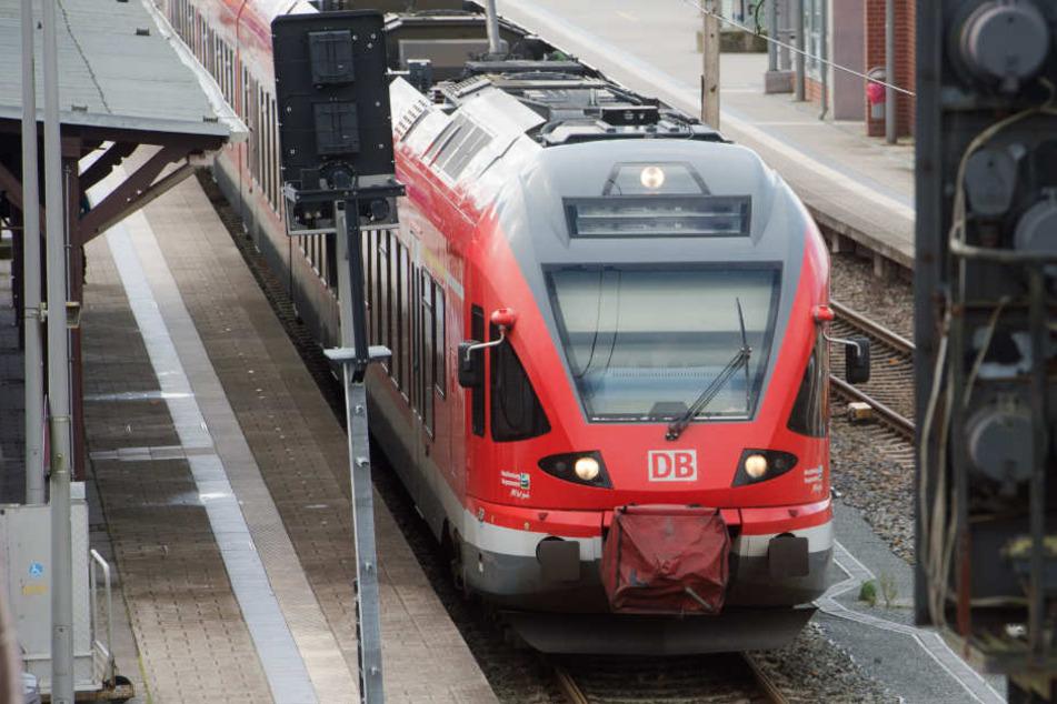 Die Züge der Linie RE 7 und RE 70 sind betroffen. (Symbolbild)
