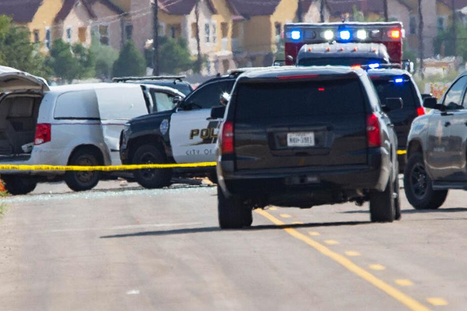 Die örtliche Polizei hat das Gebiet weiträumig abgesperrt.
