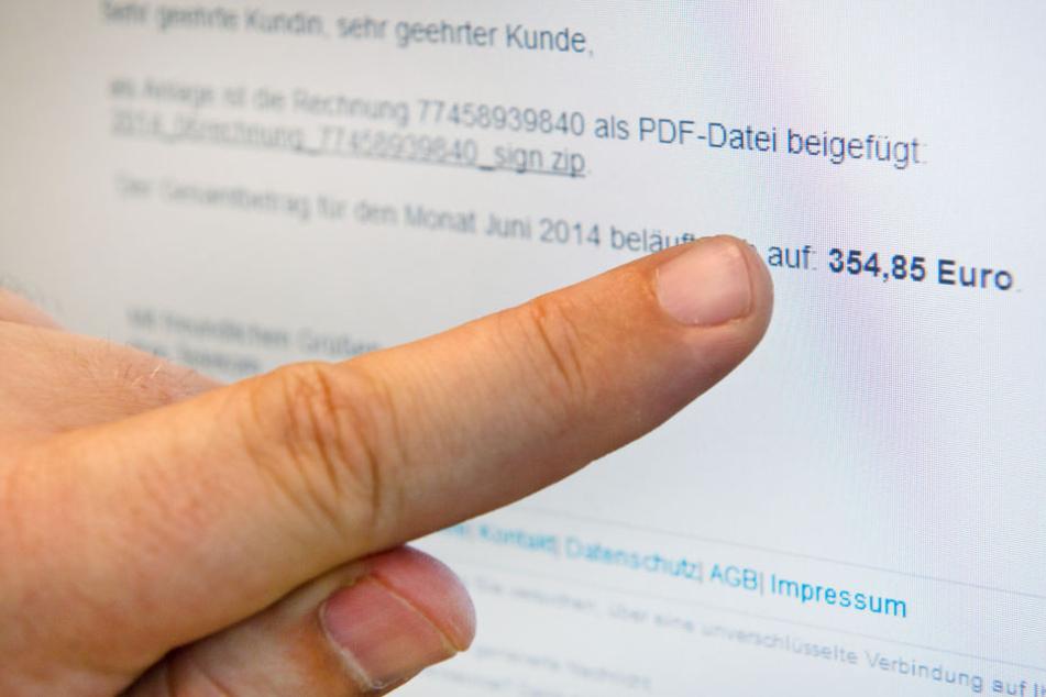1,7 Millionen Euro abgezockt! Buchhalterin fällt auf angeblichen Chef rein