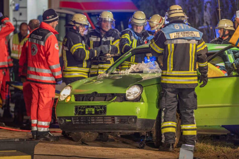 Vier Menschen sind bei einem schweren Verkehrsunfall verletzt worden.
