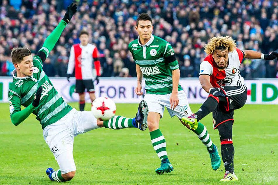 Stijn Spierings (l.), hier noch im Trikot von Sparta Rotterdam im Derby gegen Feyenoord, war für Waalwijk gegen die Go Ahead Eagles mit zwei Toren einer der Spielentscheider.