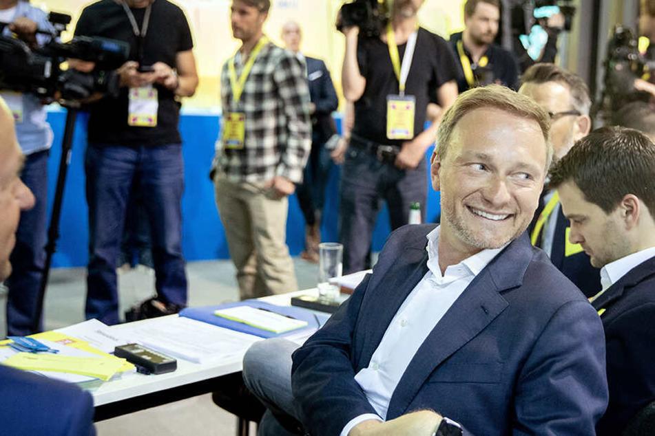 FDP-Chef Lindner hat gut lachen. Sein Haar wirkt wieder voller.