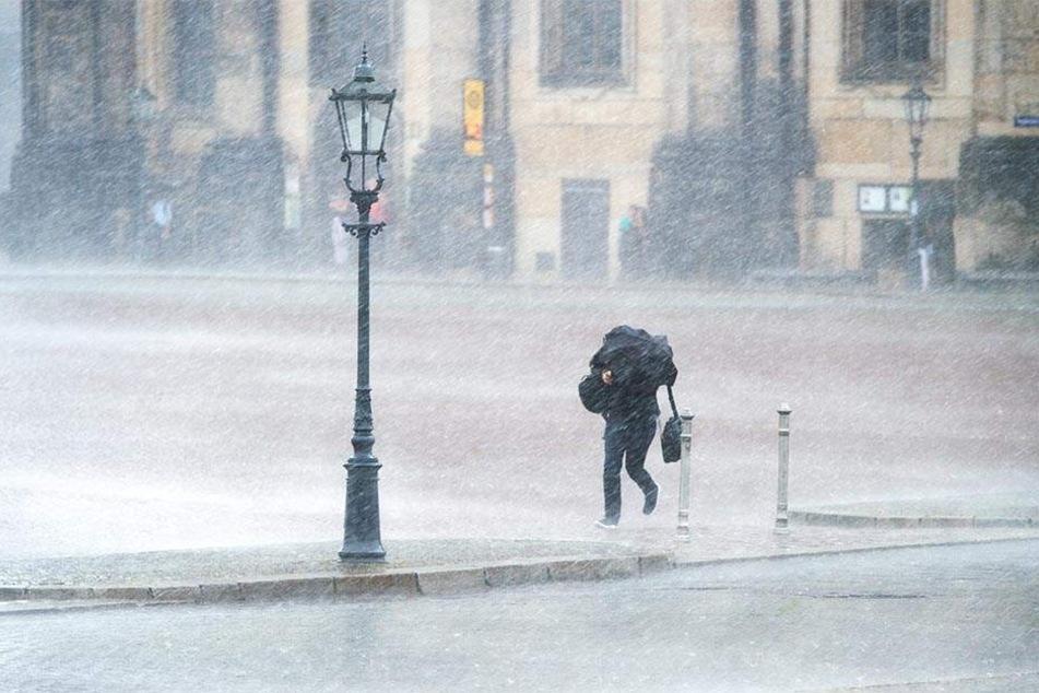Starkregen, Sturmböen, Hagel: Unwetterwarnung für Straubing und den Landkreis