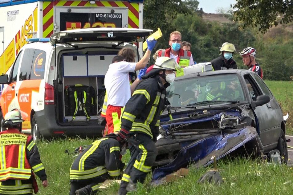 Bei einem schweren Unfall in Magdeburg sind am Sonntag zwei Menschen schwer verletzt wurden.