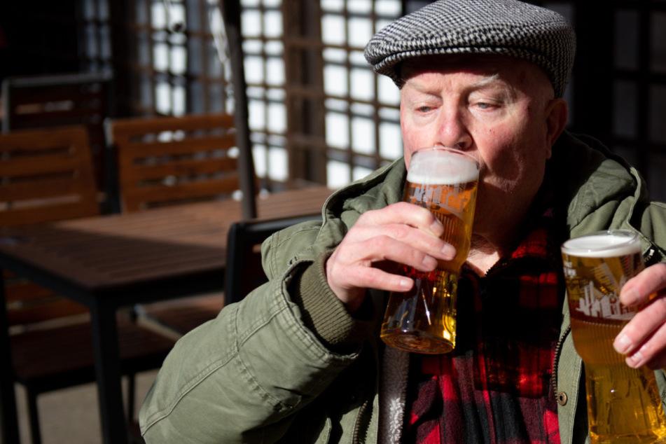 Cheers: Die Briten dürfen wieder in die Pubs - und sorgen direkt für Rekordeinnahmen!