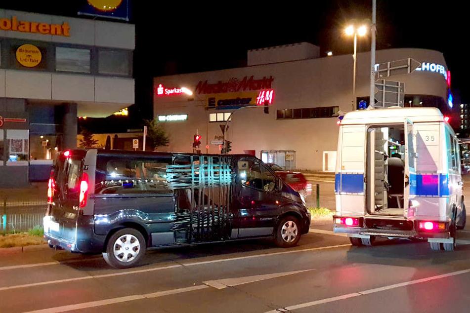 In diesem Zustand war ein Fahrer in seinem Transporter in Berlin-Tempelhof unterwegs.