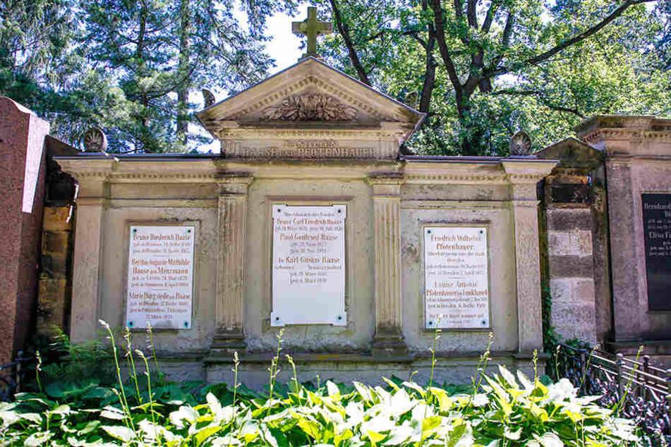 Die Grabstätte Wilhelm Pfotenhauers und seiner Frau auf dem Johannisfriedhof.
