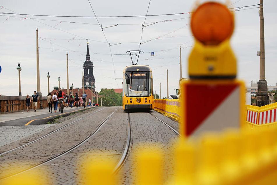 Die letzte Bahn fährt Montag früh über die Augustusbrücke.