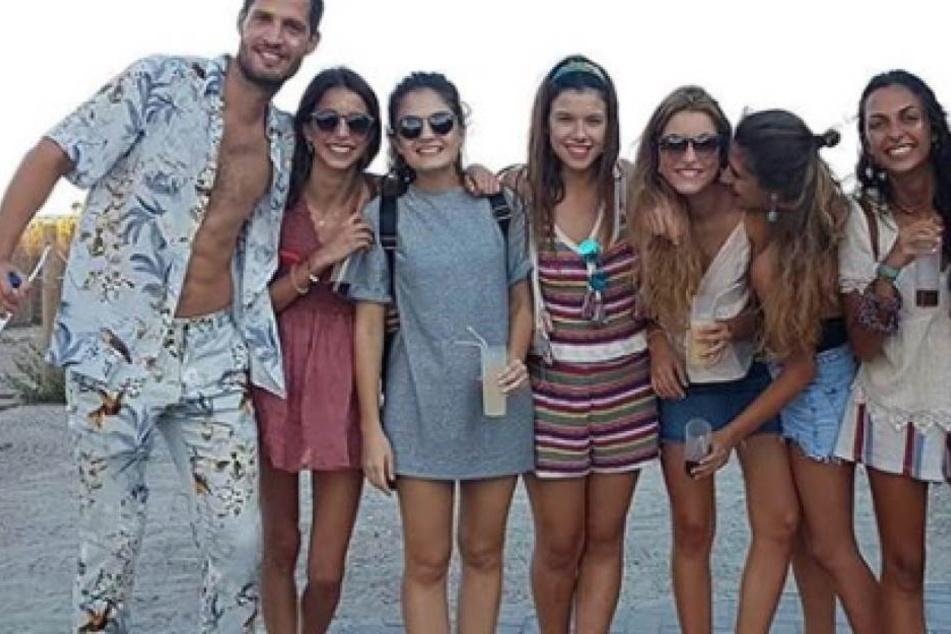Anthony machte Dank der Dating-App Tinder kostenlos Urlaub in 8 Ländern!