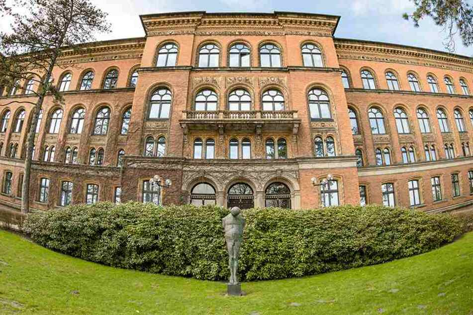 Das Gebäude des Oberlandesgerichts Schleswig, in dem auch das Landessozialgericht und die Staatsanwaltschaft untergebracht sind.