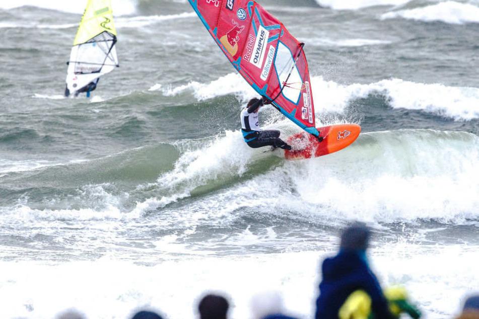 """""""Hawaii des Nordens"""": Surf-Festival auf Fehmarn lockt Wassersportfans"""