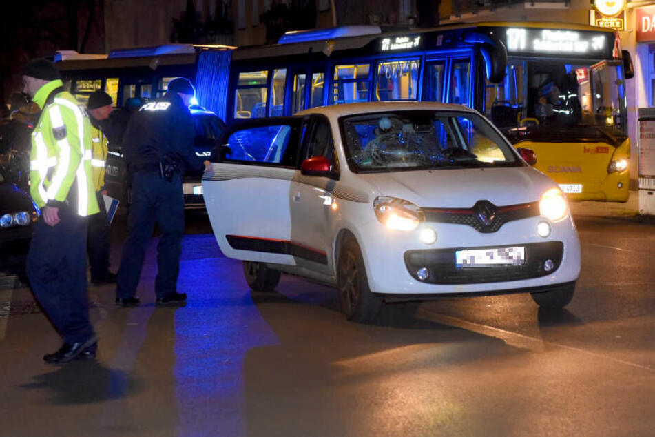 Auto erfasst Jungen (12): Krankenhaus!