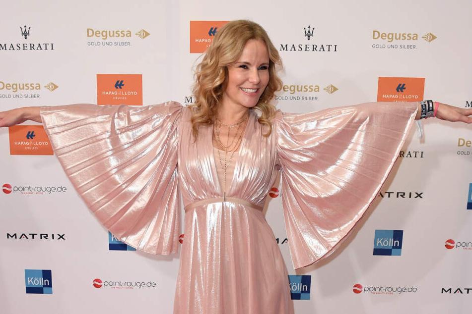 Im schicken Kleid statt im Fitness-Dress ist Katja Burkard (54) häufiger zu sehen.