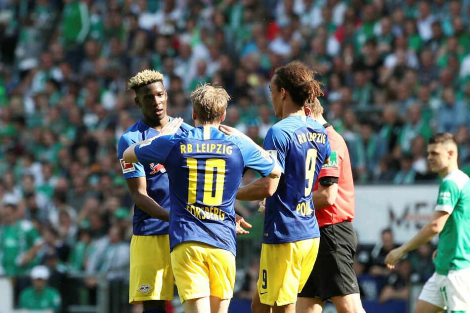 Klostermann-Ersatz Nordi Mukiele (l.) erzielte in der 86. Minute den zwischenzeitlichen Ausgleich - es war sein erstes Bundesligator.