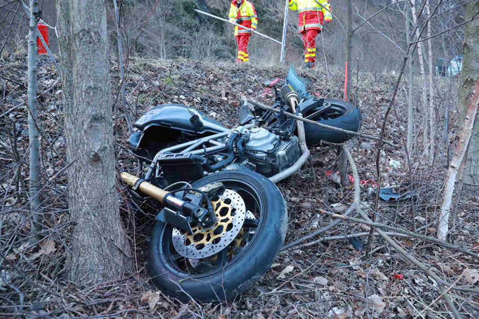 In der Sächsischen Schweiz wurde am Abend des Ostermontag ein 34-jähriger Motorradfahrer schwer verletzt.