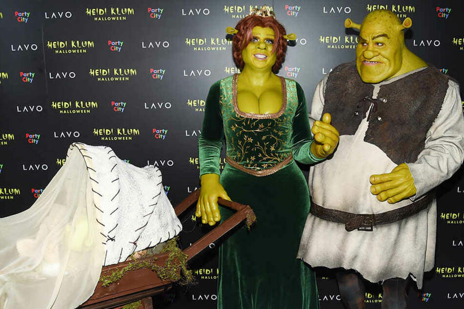 Heidi und Tom kamen als Shrek und Fiona - und hatten Mini-Shreks im Schlepptau.