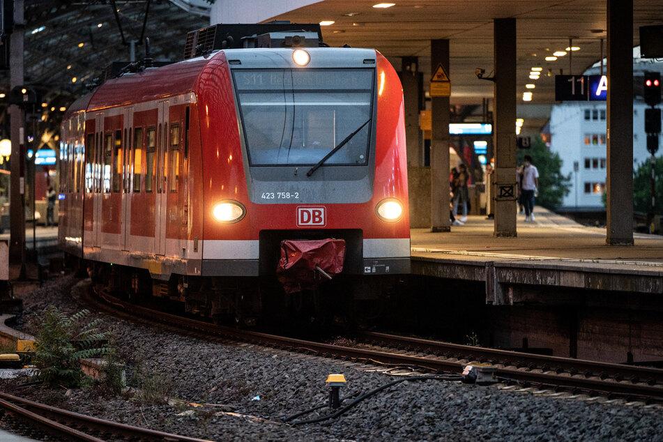 Im Regional- und S-Bahnverkehr fielen die meisten Linien in NRW aus oder fuhren nur eingeschränkt.
