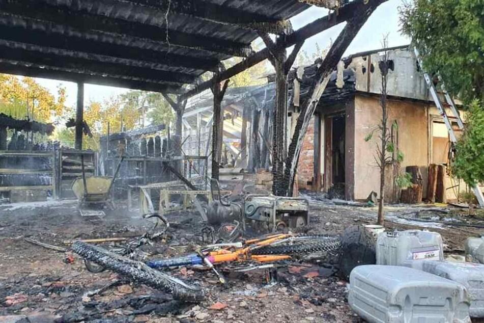 Nach dem Einsatz wurde das Ausmaß des Brandes in Burg bei Magdeburg deutlich.