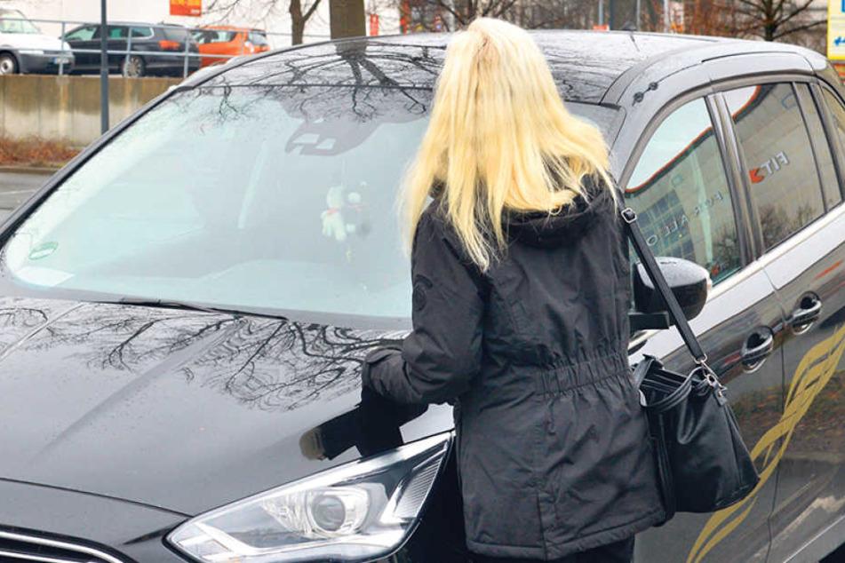 Viola S. parkte an der Ermafa-Passage teuer. Ihr Auto wurde dort kurzerhand abgeschleppt. Kosten: 196,35 Euro.