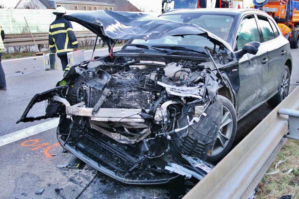 Der 45-Jährige wurde bei dem Unfall leicht verletzt und in eine Klinik gebracht.
