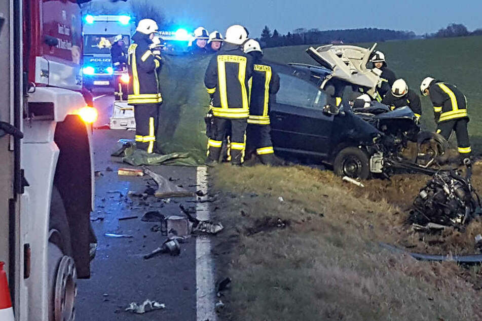 Frontal-Crash mit Lkw: Ehepaar stirbt bei Horror-Unfall nahe Bautzen