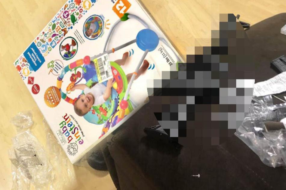 Frau kauft Geschenk für Baby-Party, dann muss die Polizei einschreiten
