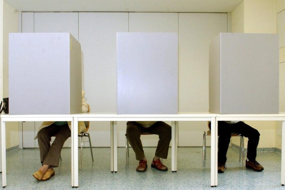 Bericht: Regierung will Smartphones in der Wahlkabine verbieten