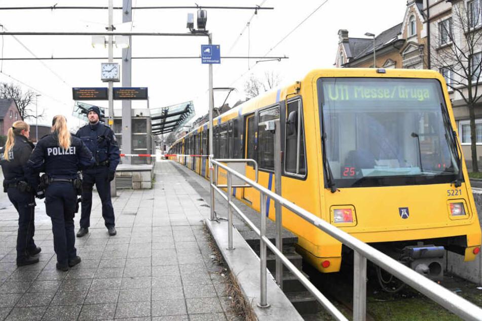 Die U-Bahn schleifte den Jungen etwa 250 Meter mit.
