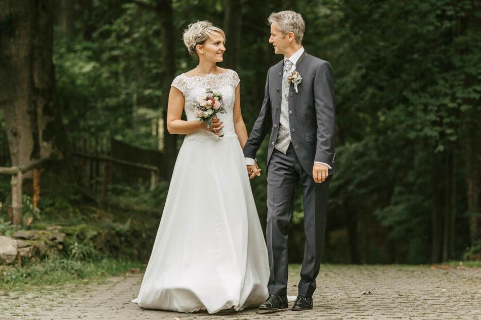 Jens und Doreen Weißflog nach der Trauung.