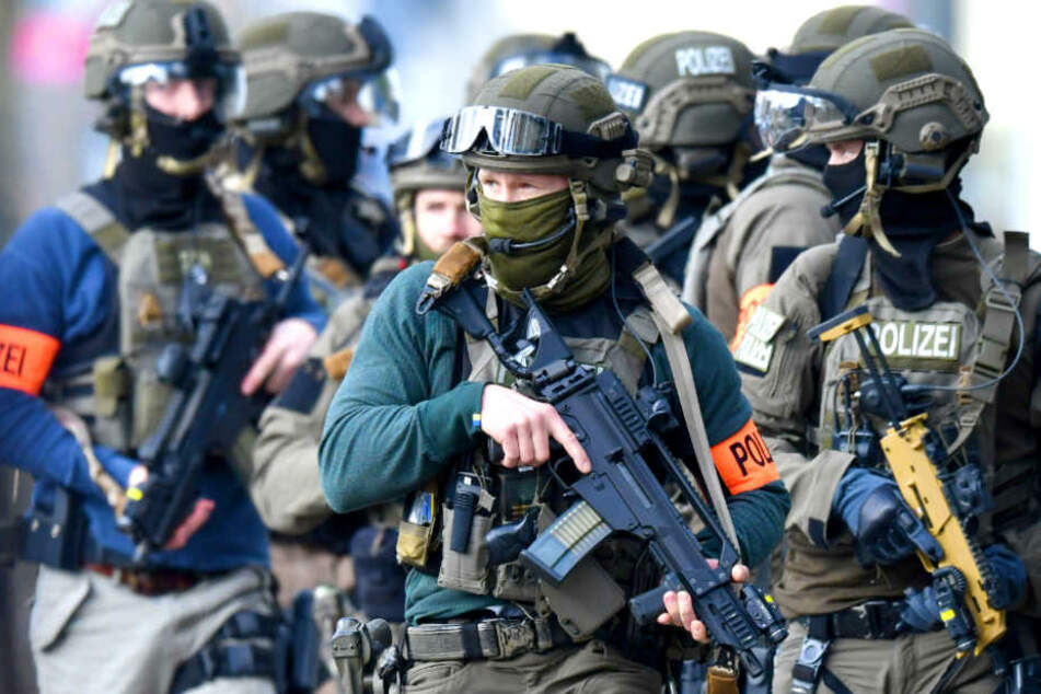 Polizei durchsucht Wohnungen von Linksextremisten!