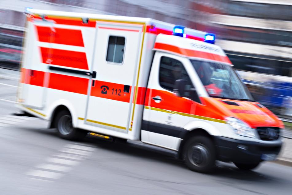 Ein 66 Jahre alter Mann ist bei einer Verpuffung in einer Obdachlosenunterkunft in München verletzt worden. (Symbolbild)